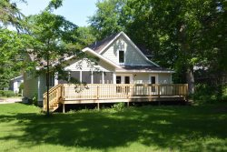 Annascaul Cottage - 5 BR, hot tub, short walk to Lake Michigan - Union Pier
