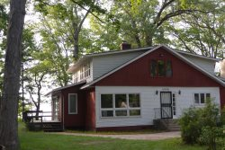 Casual Lake Living - 5 BR lakefront, private beach, huge yard, very rustic - Union Pier, MI