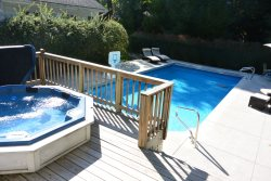 Apple Pool House - 5 BR property with pool, hot tub & private assn beach rights in Union Pier