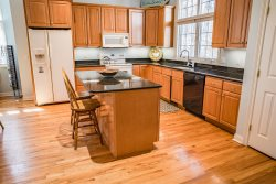 Forest Beach Getaway - 4 BR townhouse in gated community with assn pool, tennis court