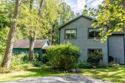 Brookside Retreat - 3 BR Main House plus Two 2 BR Dog Friendly Guest Cottages