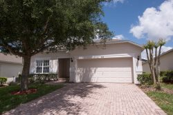Stay within 8 miles of Walt Disney World and close to Mystic Dunes Golf Course.