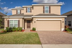 This brand new pool home with 5 br Orlando vacation rental is convenient to the Orlando attractions and major golf courses.
