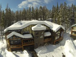 Prime Montana Ski-in Ski-out Luxury Whitefish Mountain Vacation Rental - Wood Run Ski Cottage