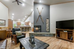Beautiful Vacation Rental Townhome Just Minutes from Big Mountain and Downtown Whitefish!