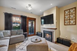 Beautiful Ski-in/Ski-out  3 Bedroom Condo on Whitefish Mountain - Sleeps 8!