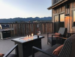 Luxury Cana Penthouse Suite in the heart of Downtown Whitefish! Sleeps 6