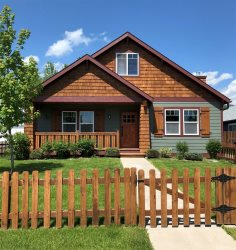 Elegantly furnished Montana themed home, the perfect location and comfort for a monthly or long term rental.