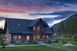 Cozy Lake Blaine Cabin with Unobstructed, Panoramic Views of the Rocky Mountains!