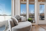 You`ll enjoy cooking in this well-stocked kitchen