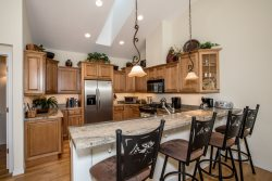 Stunning Suncrest Rental Home Near Iron Horse Country Club