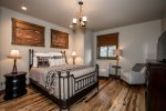 Enjoy a soak in this beautiful copper tub in the en-suite