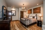 Lovely queen size bed in the 3rd bedroom also on the middle floor.