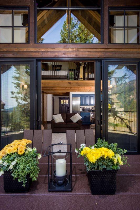 Slopeside Luxury Treehouse At Ski Resort