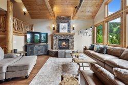 Amazing 5BD 6.5BA Big Mountain Ski House! Private Hot Tub & Private Sauna!! Sleeps 15!