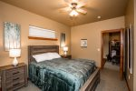 The en-suite with shower