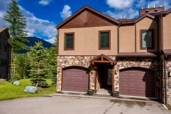 NEW LISTING!! Ski-in/Ski-Out 4BD 4.5BA with Private Hot Tub on Whitefish Mountain!