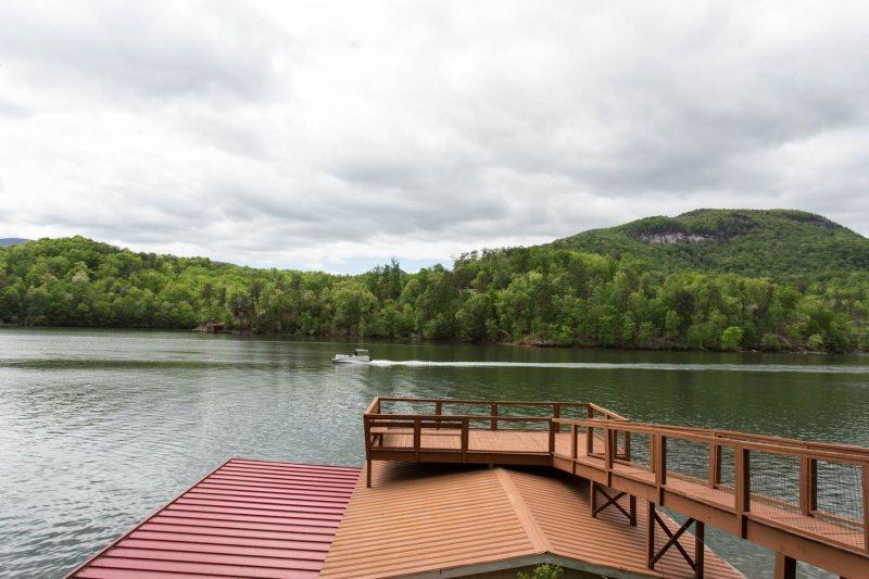 Wallace Lake House by Carolina Properties Lake Lure NC is a 5