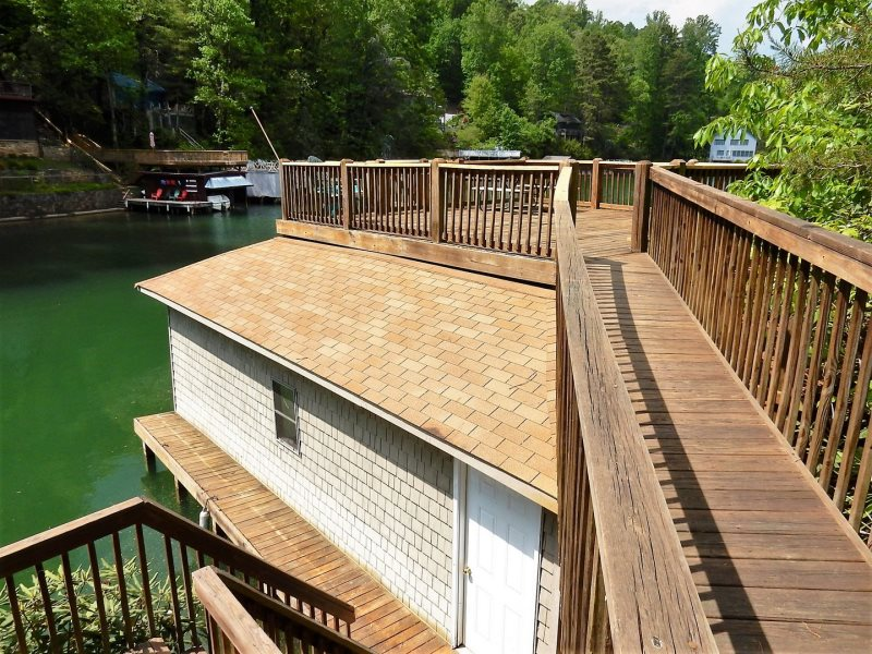 Stiles Lake House By Carolina Properties Lure Nc Is A 3 Bedroom 2 Bath Lakefront Home On With Boat Dock Space And Kayaks For Guest Use