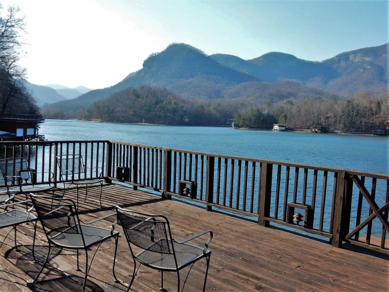 Loose Moose Lodge by Carolina Properties Lake Lure NC is a 4 bedroom
