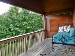 **NEW*** PRIVATE ~ ROMANTIC ~ FIREPLACE ~ PET FRIENDLY ~ INTERNET ~ CLOSE TO TIEC ~ PING PONG TABLE