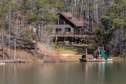 LAKEFRONT ~ HOT TUB ~ RIVERBEND AMENITIES ~ FIREPLACE ~ FAMILY FRIENDLY ~ ROMANTIC ~ WOOD FLOORS