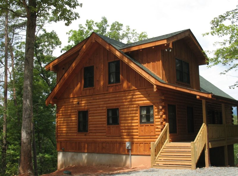 Gray Goose by Carolina Properties is a 3 bedroom, 3 bath log