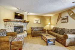Spacious 2 Bedroom Ski Condo