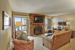 Newly Remodeled Condo with Beautiful Slopeside Views