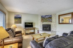 Great 2 Bedroom with Breckenridge Ski Resort Views