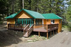 Remodeled vacation rental with nice view of mountains