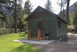 Close to Wallowa River, easy walk to lake