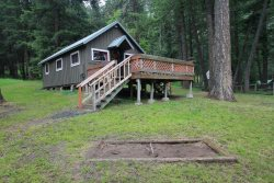 Cozy one bedroom cabin with spectacular mountain views