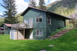 Nez-Perce, Wallowa Riverfront  cabin great for groups or families