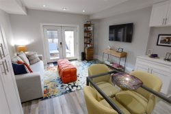 Colorful & Convenient ~ Bright Apt in Bloomingdale/Shaw!