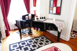The Grand Piano at Logan Circle - Sleeps 6/7!