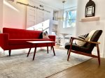 PRO CLEANED - In the Heart of Mount Pleasant Gorgeous 2Bed/Bath & Parking