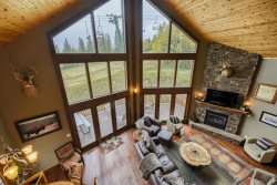 Peak2-3000 sq ft luxury ski-in/ski-out cabin at Terry Peak, hot tub, unlimited internet, foosball