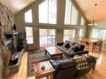 Whitetail Lodge-Large cabin with hot tub, foosball, sleeps 18, just 2 blocks from Terry Peak