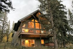 Deep Snow - Spacious cabin close to skiing, snowmobile/atv trails, Deadwood