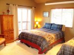 Upper level bedroom with queen, twin bed