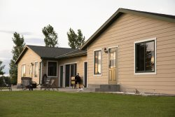 40 Creek Lodge South - Prime Hunting and Fishing Cabin at Waubay Lake