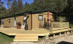 Blue Pine Retreat - Private lot, Pet-Friendly, hot tub, near ATV/Snowmobile Trails