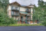 Durango Colorado vacation rental condo at Purgatory Resort parking in front of townhomes