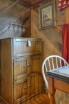 Durango Hesperus Colorado vacation rental Cranberry Cottage Riverside Cabin bar area in kitchen