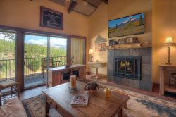 Mountain Luxury Condo Romantic Getaway for Two