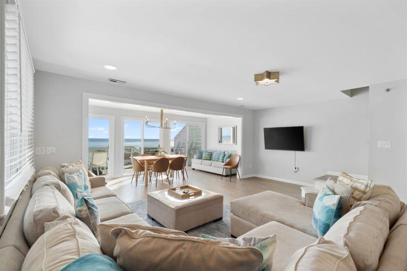 5 Bedroom Oceanfront Duplex In Kure Beach Sleeps 11