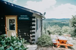 The Cliffside Cabin - Perfect for one or two people with a wonderful view
