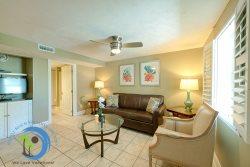 Luxurious First Floor Villa--Steps to Windy Hill Beach
