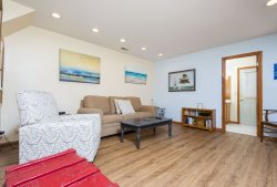 Pinewood 1A - A cozy, renovated Townhome in a great location!